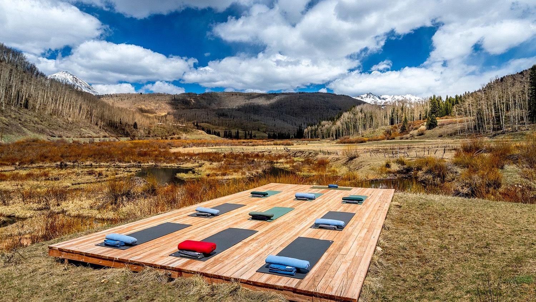 outdoor yoga at a digital detox retreat